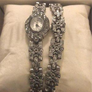 Accessories - Vintage watch and bracelet